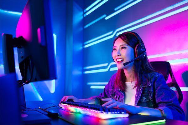 Korean girl gamer enjoys playing games with Korean subtitles.